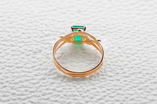 Кольцо Nature из красного золота с агатом