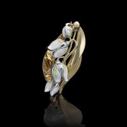Золотая брошь с эмалью