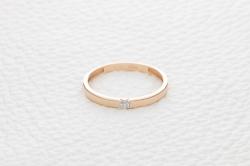 Кольцо RADIANCE из красного золота с бриллиантом