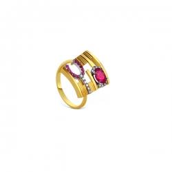 Эксклюзивное кольцо из золота с рубинами и бриллиантами