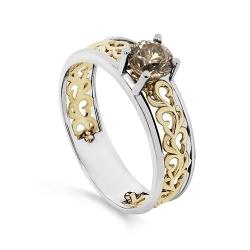 Женское кольцо из белого золота с коньячным бриллиантом