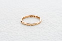 Обручальное кольцо из красного золота без камней