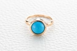 Кольцо из красного золота с бирюзой