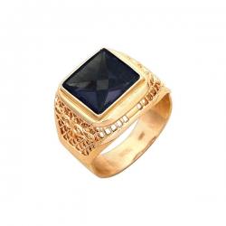 Кольцо-печатка из золота с корундом