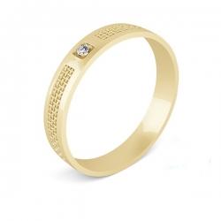 Обручальное кольцо из золота с фианитом