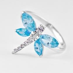 Женское кольцо из серебра без камней