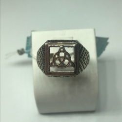 Мужское кольцо из серебра без камней