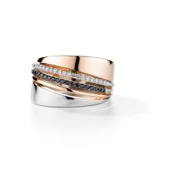Женское кольцо из золота с черным бриллиантом и бриллиантом