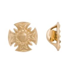 Значок в форме креста из золота