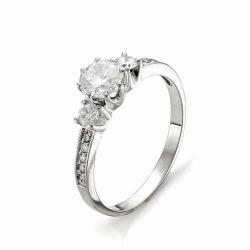 Кольцо из белого золота с большим бриллиантом