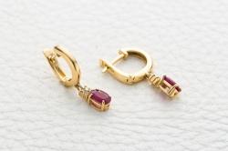 Серьги из желтого золота с рубином и бриллиантом