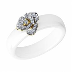 Кольцо из желтого золота с бриллиантами и белыми керамическими вставками