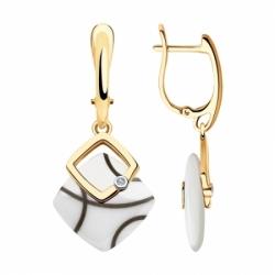 Серьги из золота с бриллиантами и белыми керамическими вставками
