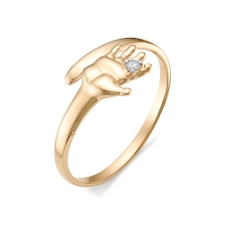 Золотое кольцо в виде детской руки с бриллиантом