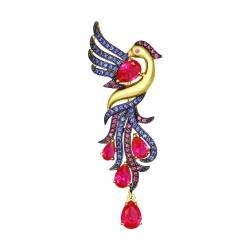 Брошь Птица из желтого золота с красными корунд (синт.) и фианитами