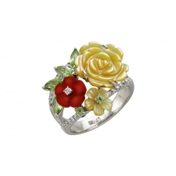 Женское кольцо из белого золота c цветными камнями