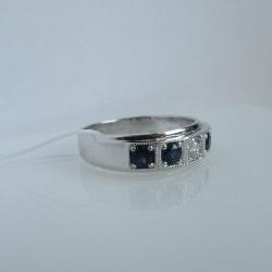 Мужское кольцо с сапфирами и бриллиантом