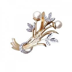 Золотая брошь Растения с белым жемчугом, фианитами