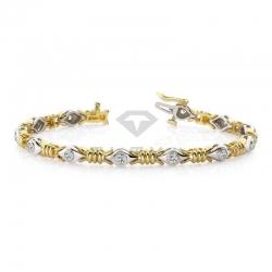 Дизайнерский браслет с муассанитами из золота двух цветов