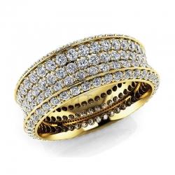 Модное кольцо с муассанитами из желтого золота