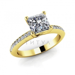 Помолвочное кольцо из желтого золота с муассанитами