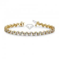 Широкий браслет из желтого золота с бриллиантами