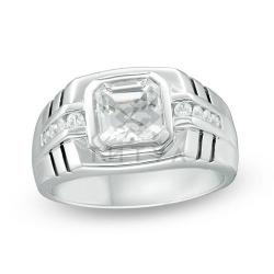 Мужское кольцо из белого золота с белым сапфиром