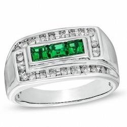 Мужское кольцо из белого золота с изумрудом и бриллиантом