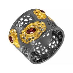 Кольцо из серебра 925 пробы с гранатами